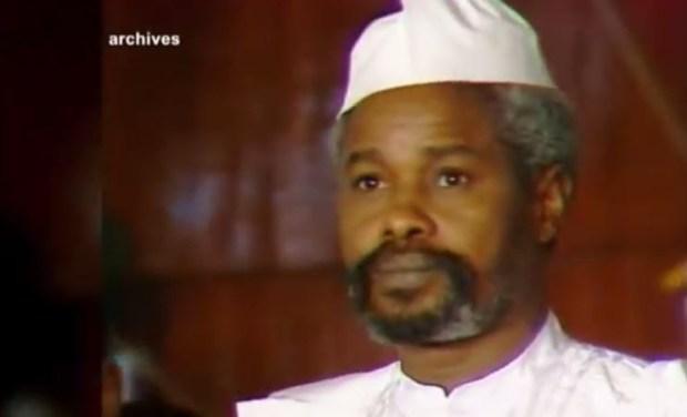 Capture d'écran de la vidéo d'Hissen Habré au tribunal