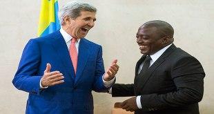 """Photo du president """"Kabila"""" et le secrétaire d'état américain Kerry, en train rire..."""