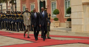 Photo des presidents congolais et angolais
