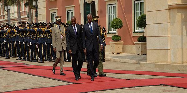 Photo des presidents congolais et angolais
