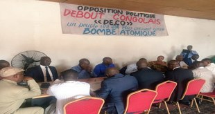 Photo des Opposants congolais en reunion.