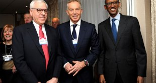 Tony Blair with President Kagame and ...