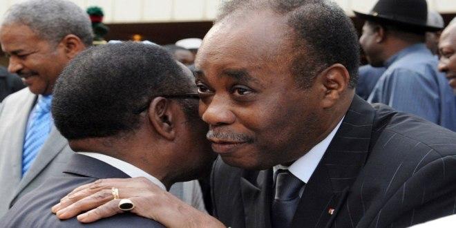 Edem KODJO hugged Alexis THAMBWE MWAMBA