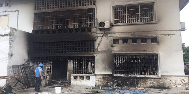 Siege de l'UDPS incendie