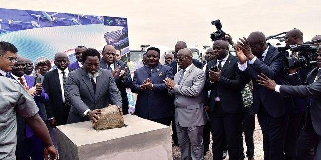 Pose de la première pierre pour la construction de la nouvelle aérogare de l'aéroport international de N'Djili
