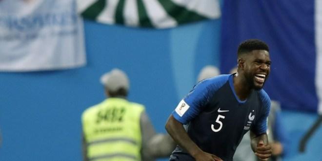 Samuel Umtiti buteur lors de la victoire de la France 1-0 face à la Belgique en demi-finale du Mondial le 10 juillet 2018