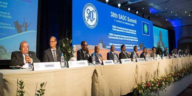 Joseph KABILA (6e droite) au 38th SADC Summit, Windhoek, Namibia, 17 August 2018.