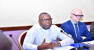 Corneille NANGAA, President de la CENI-RDC, en conference de presse.