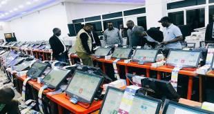 Corneille NANGAA, président de la CENI-RDC, en train d'organiser la tricherie électorale.