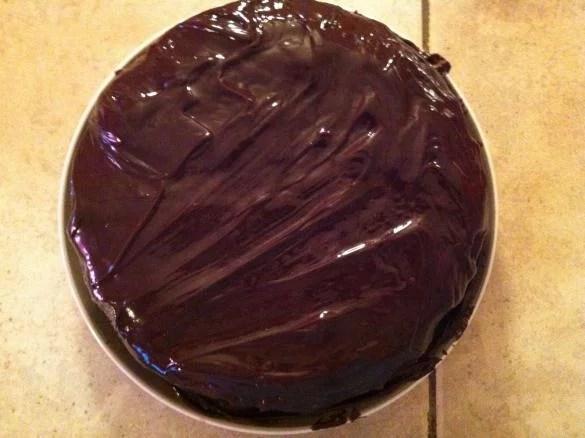 gateau au yaourt coeur fraise nappage chocolat