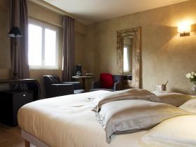 Hotels A La Journee Avec Jacuzzi Lyon Roomforday
