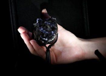 Vuitton dévoile le deuxième plus gros diamant brut au monde