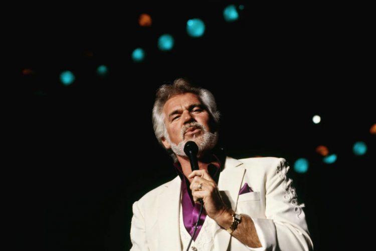 Décès de Kenny Rogers, célèbre chanteur de la musique country