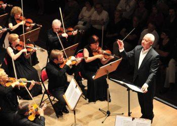 Pour éviter le coronavirus, écoutez Mozart, suggère le violoniste russe Spivakov