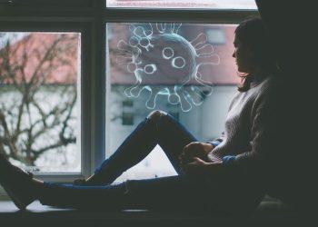 Covid-19: Il faudra vivre avec le virus au moins jusqu'à l'été prochain
