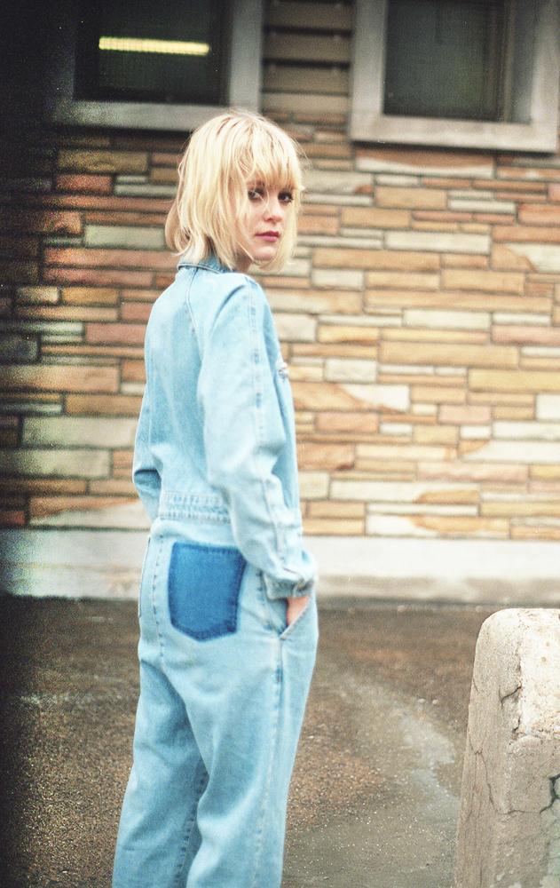 denim-jumpsuit-very-joelle-paquette-5