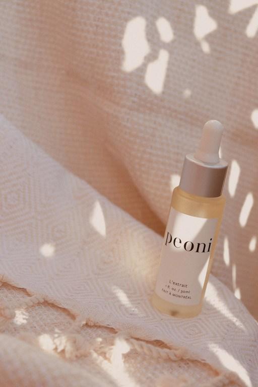 Huile hydratante naturelle pour le visage par Jennifer Brodeur Skin Guru