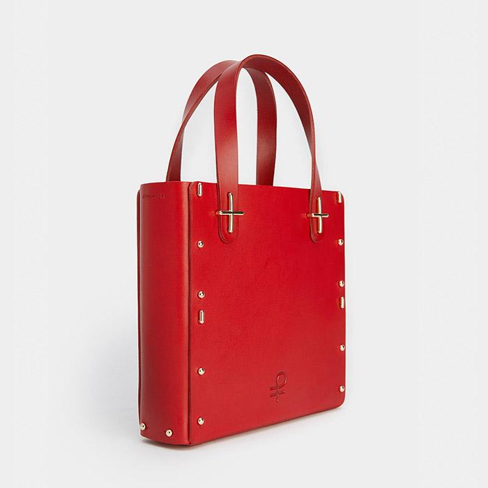 Se simplifier la svie en choisissant un mini sac à main.