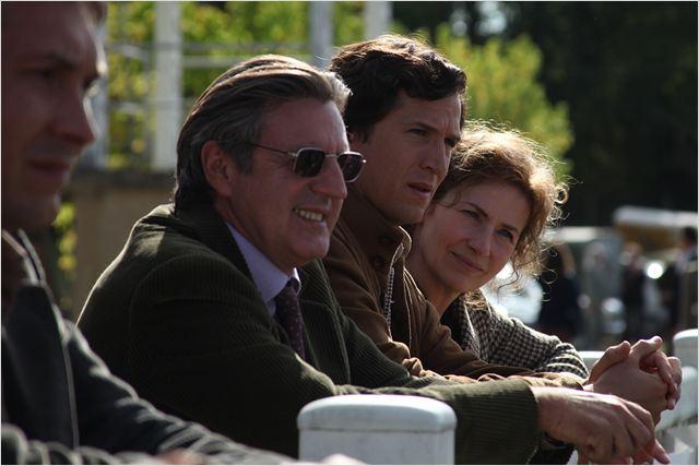 Pierre Durand (Guillaume Canet) entouré par ses parents (Daniel Auteuil et Marie Bunel)
