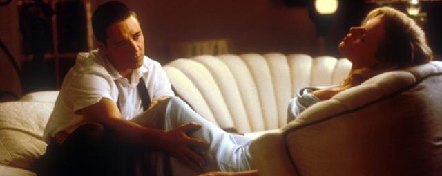 The Nice Guys Kim Basinger Retrouve Russell Crowe Actus Cin AlloCin