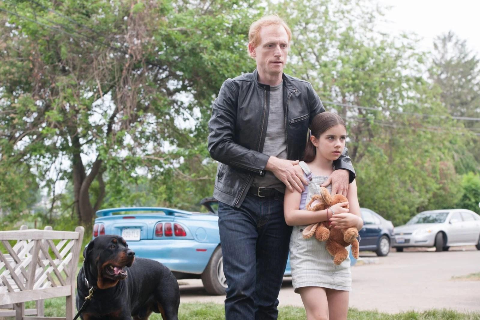 Luke (Scott Sheperd III) et Sarah (Sterling Jerins)
