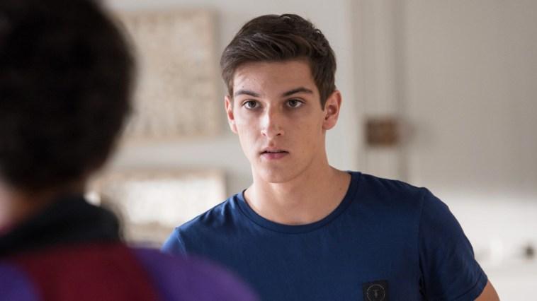 Un Si Grand Soleil : «Enzo se montre un peu réticent envers Billie» selon Teïlo Azaïs – News Séries à la TV