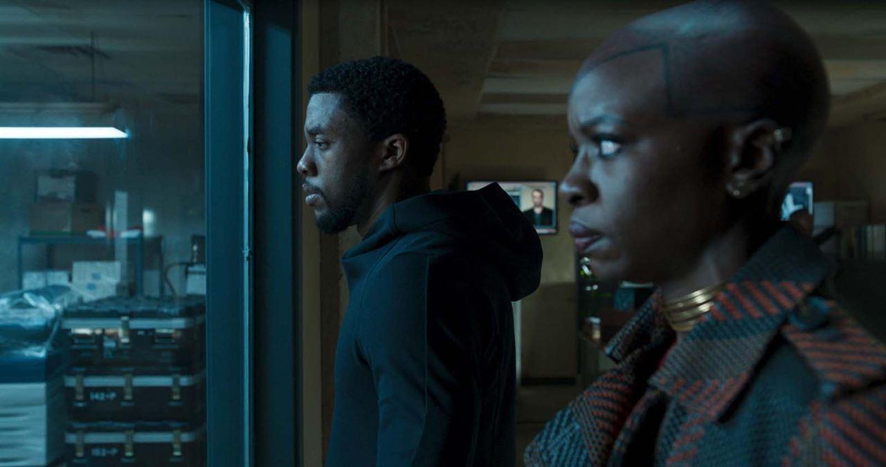 Black Panther : Photo Chadwick Boseman, Danai Gurira