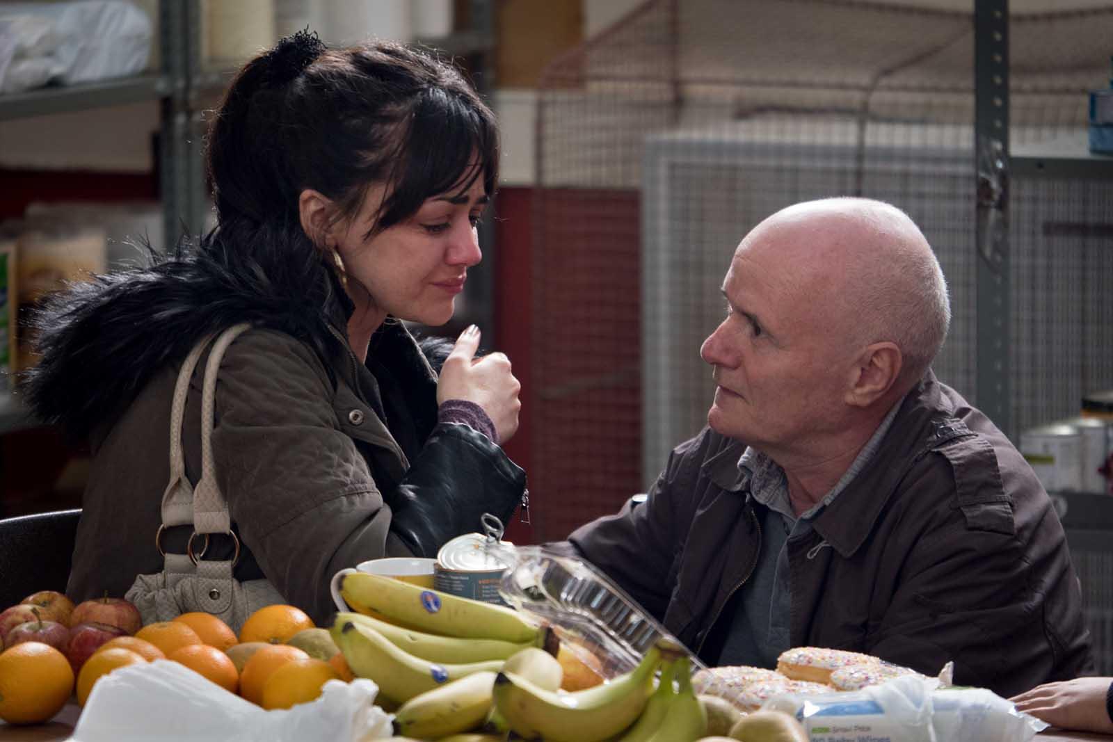 Katie (Hayley Squires) et Daniel (Dave Johns)