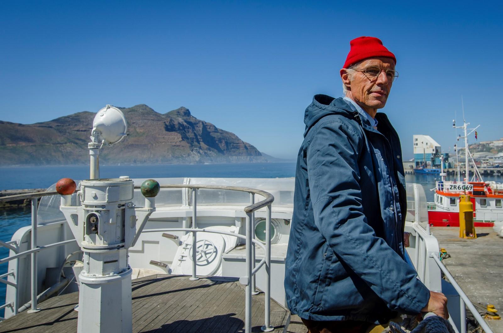 Jacques-Yves Cousteau (Lambert Wilson)