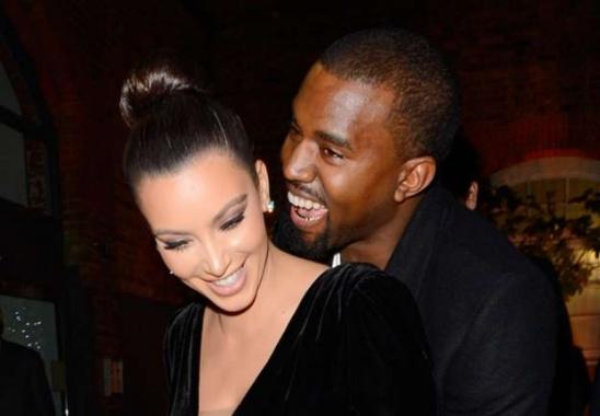 Kim Kardashian et Kanye West   © Prisma Media KIM_KANYE_SOURIRE