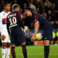 Neymar et Cavani, une embrouille dans le vestiaire et une affaire de gros sous ?