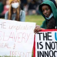 Réparation de l'esclavage : les descendants d'esclaves doivent-ils recevoir une compensation financière ?