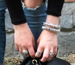 dettagli anelli e bracciali