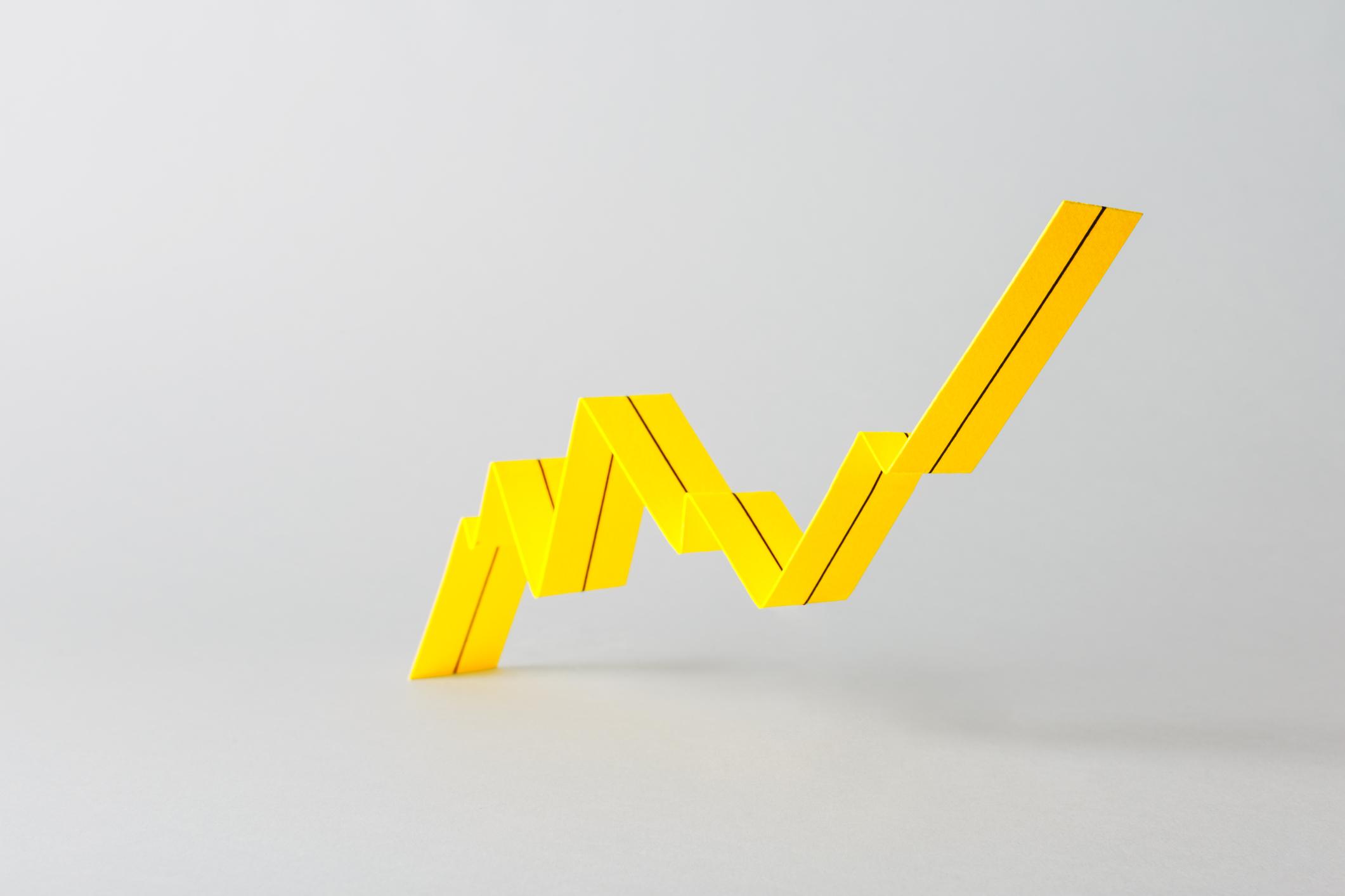 Paper stripe folded into a peak chart
