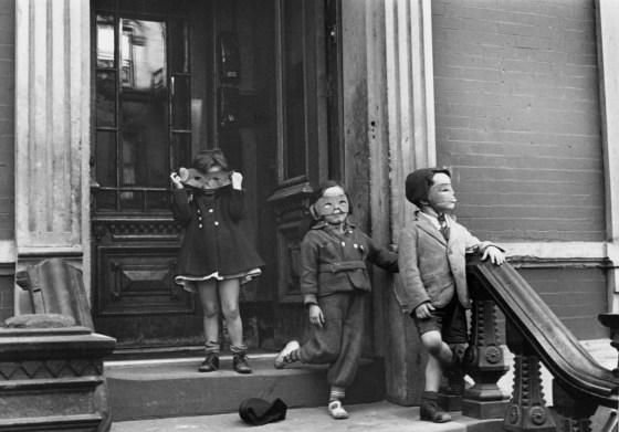 New York, ca. 1942, gelatin-silver print
