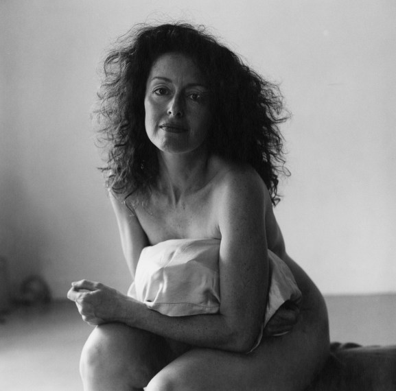 Lynn Davis, Nude with Pillow, 1985, gelatin-silver print