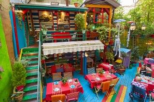 ff_prag_restaurant_lukalu_terrasse