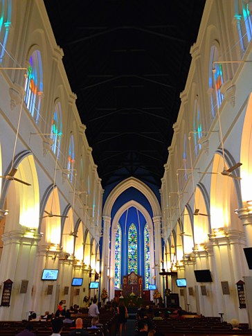 Singapur_St-Andrew's-Cathedral-04