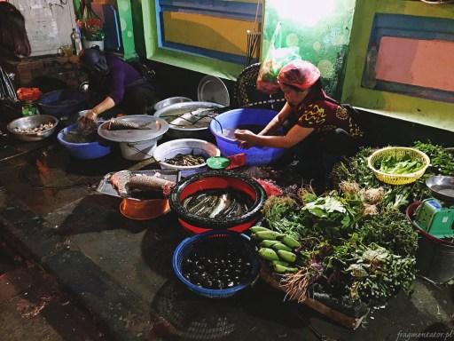 Wietnam jedzenie na ulicach Hanoi-012