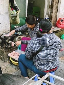 Wietnam jedzenie na ulicach Hanoi-019