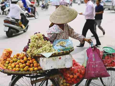 Wietnam jedzenie na ulicach Hanoi-026