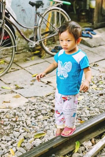 Wietnam ulica pociągowa Hanoi train street 003