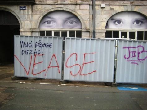 besancon 10.12.12 tags - vinci degage de ZAD et Vease