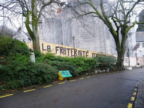 la fraternité n'est pas un mythe - graff - besancon - dec 2012