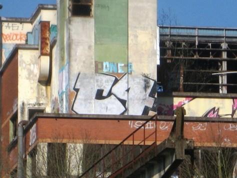 mars 2013 - besancon - rhodia - C4 - graffiti (1)