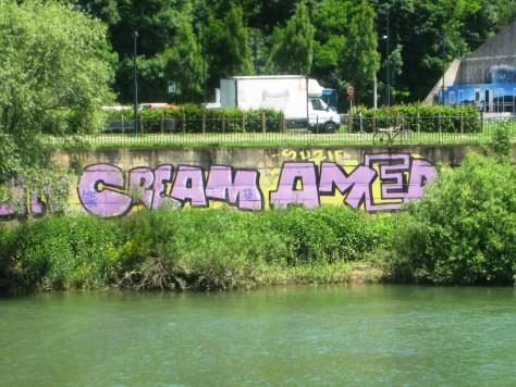 Rodni, Cream, AMer_graffiti_besancon_2013 (1)