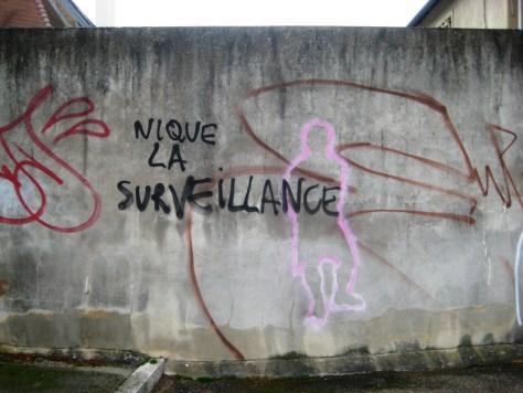besancon-fevrier 2014 - nique la surveillance - tag