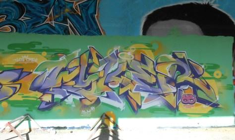 Mesh, Wyker, LCG.IZI - Besancon - Graffiti - 04.2014  (2)