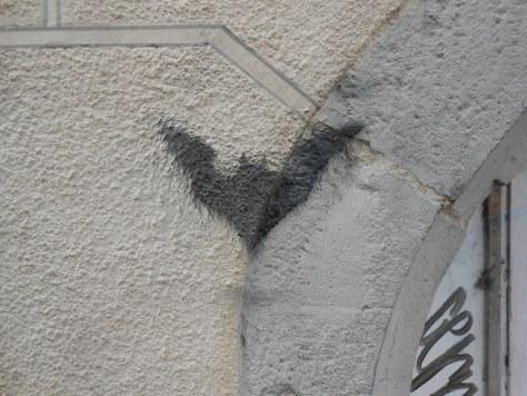 chauve souris - pochoir - besancon 2015 (2)