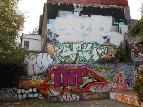 haus der jugend wupperal elberfeld - graffiti sept 2015 SKR, AMK (2)